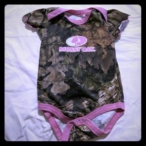 Mossy Oak Camo and Pink 6-9M Onesie